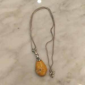 Silver necklace with Amber stone pendant